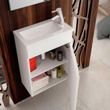 Armário de banheiro pequeno