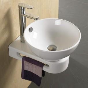 Lavatório com toalheiro