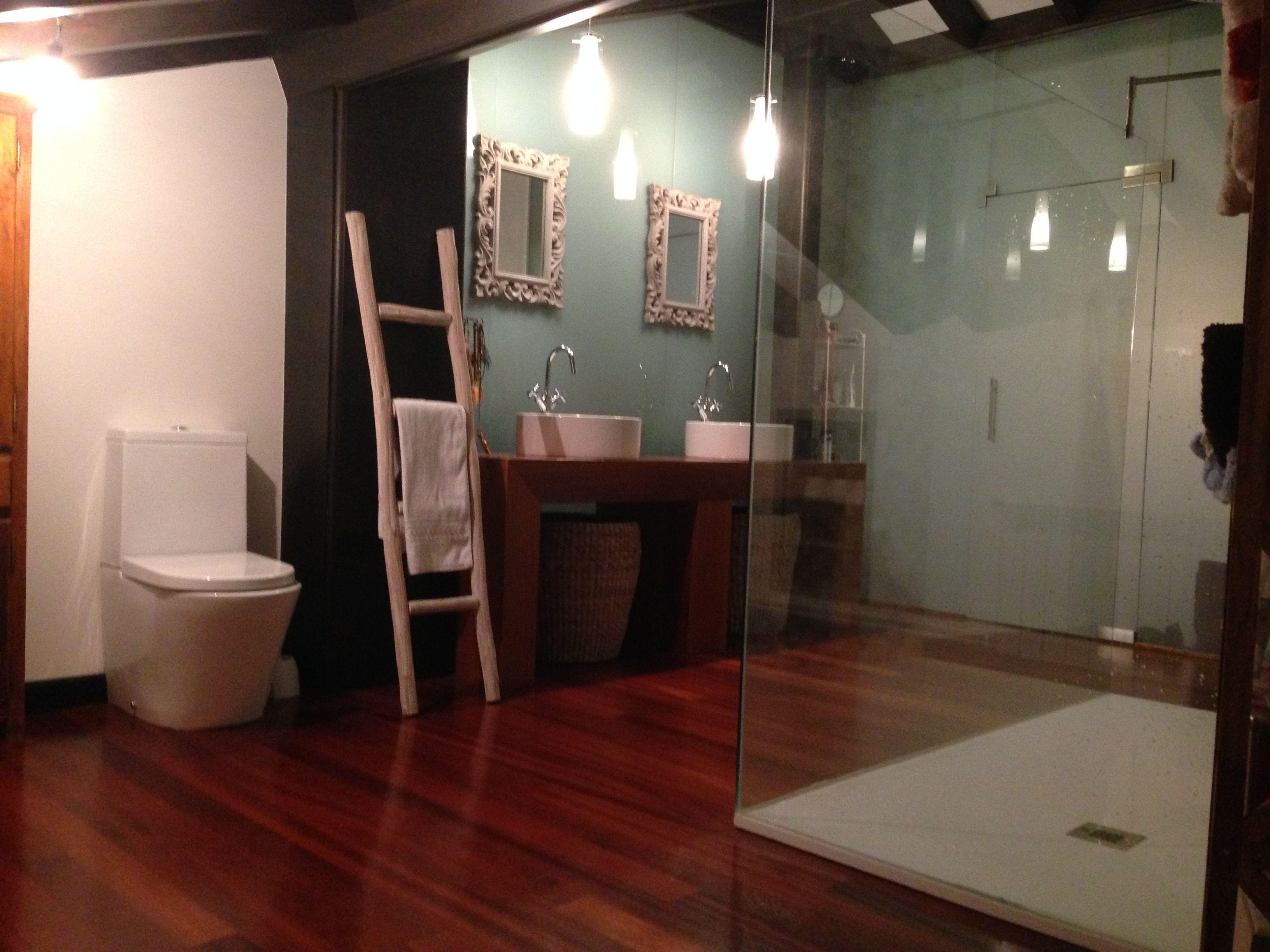 Algunos de nuestros clientes y amigos nos muestran como ha quedado su baño.